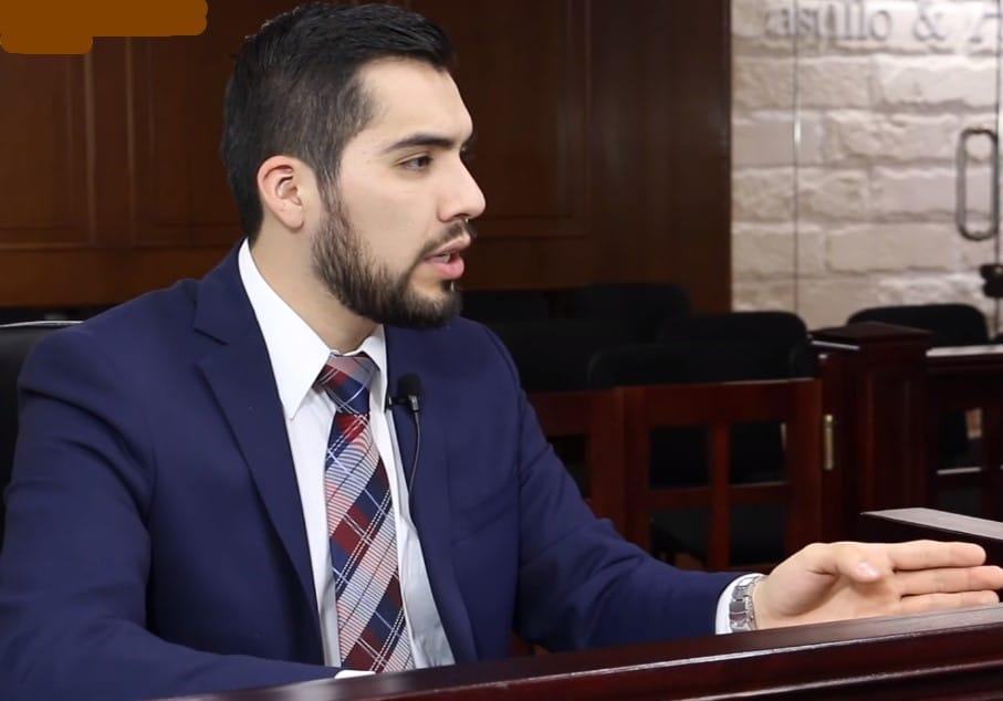 abogado en contrainterrogatorio