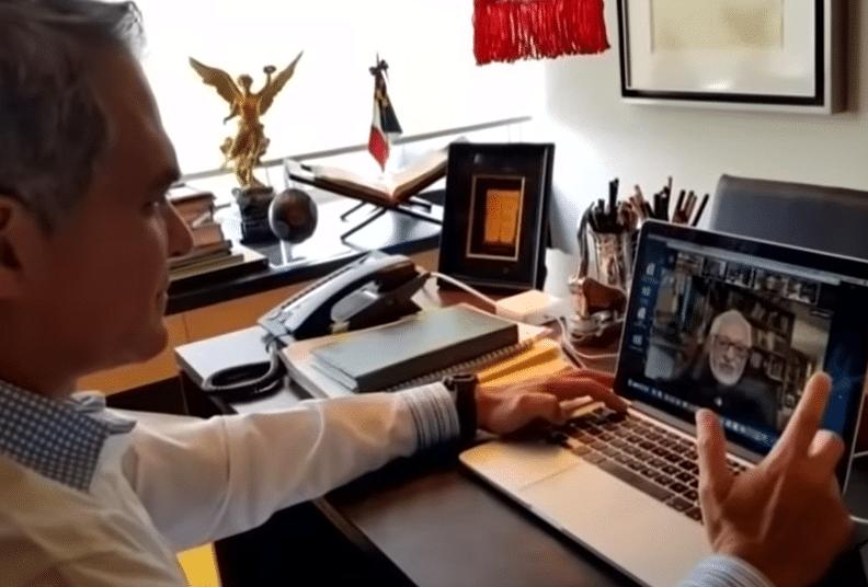 Consultar a tu abogado a través de una videollamada